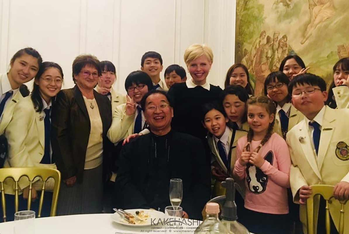 With the members of the Japanese children choir in Keszthely